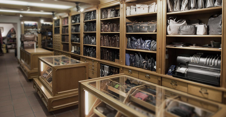 Das Geschäft von Schliesselberger Lederwaren Koffer und Taschen Salzburg